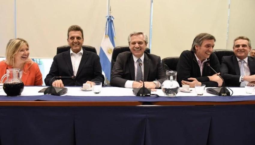 Con Alberto Fernández, el peronismo oficializó a Máximo Kirchner como presidente del bloque