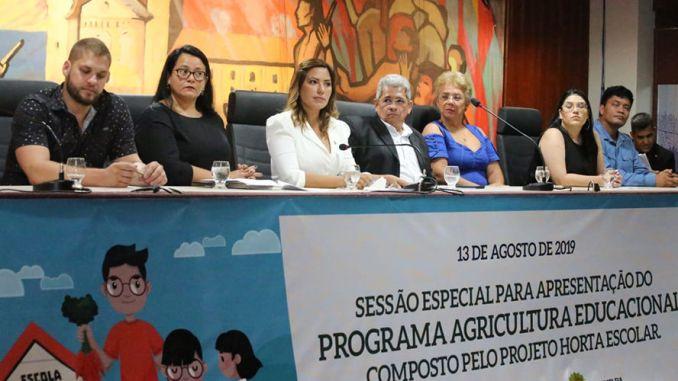 A sessão foi realizada com o objetivo de apresentar e debater o Programa Agricultura Educacional.