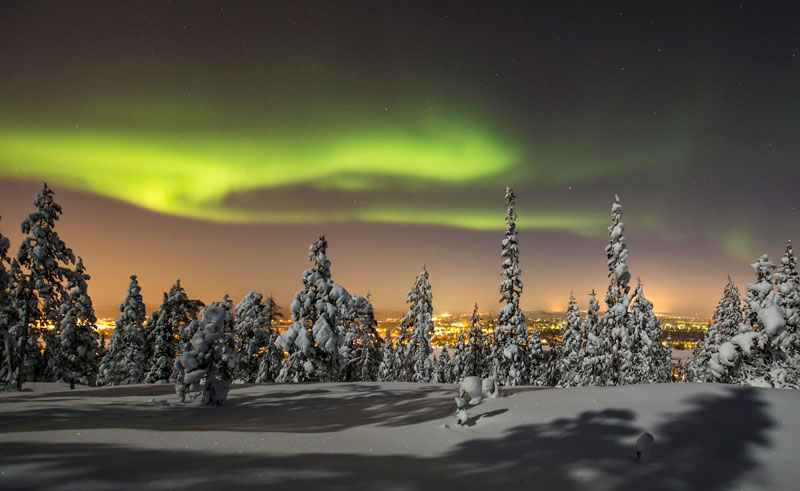 Northern Lights Best Time Year Canada