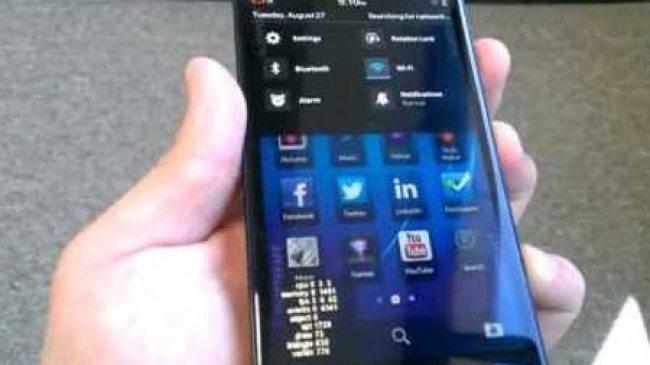 Penampakan Blackberry Z30 dalam Video