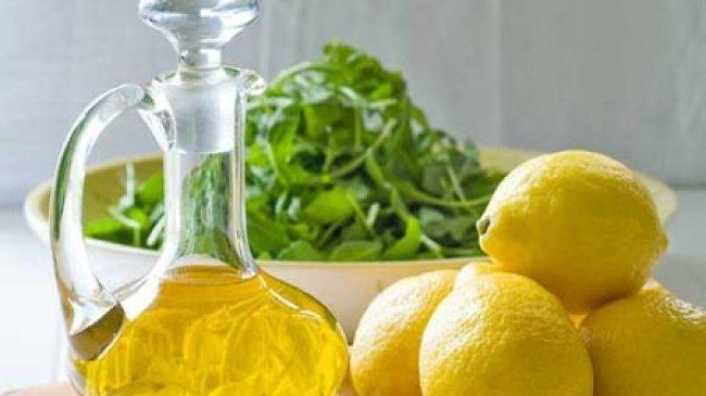 Lembabkan Kulit dengan Masker Lemon Minyak Zaitun