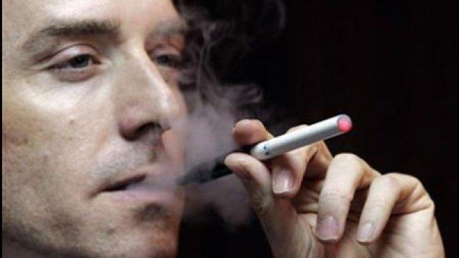 Waspada, Bahaya Merokok Perpendek Usia