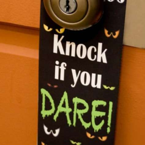 Halloween Door Hanger - 40 Easy to Make DIY Halloween Decor Ideas