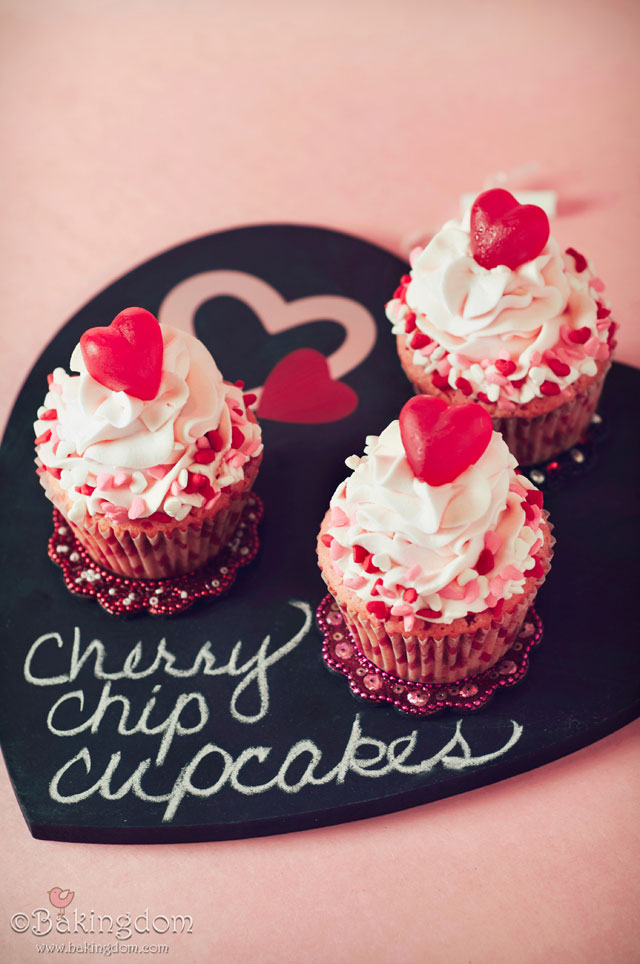 Valentine's Day Cupcakes That Your Loved Ones Will...Well