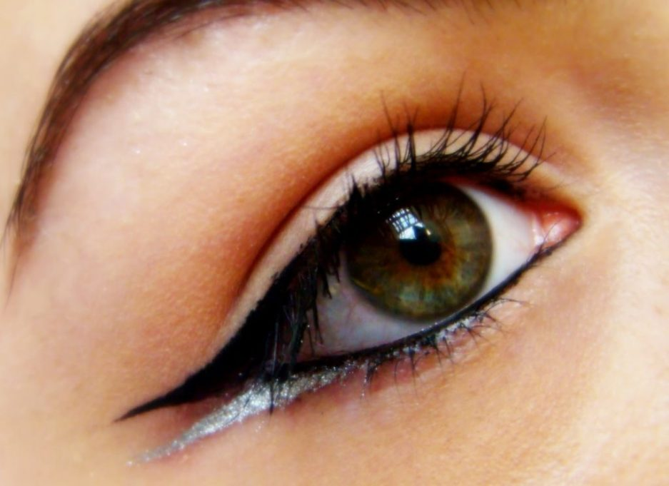 Coloured double liner