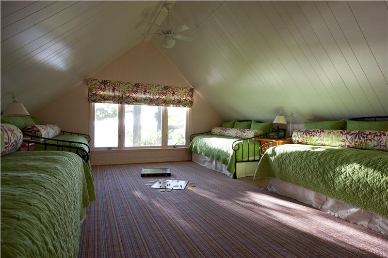 Diy Ways To Transform An Attic Into A Great Room