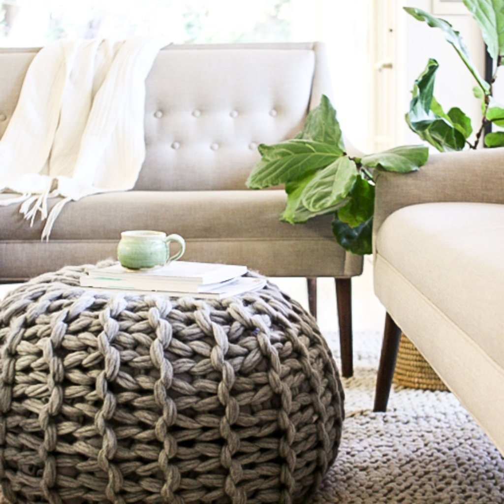 Arm Knitting Floor Pouf in Living Room Knit without Needles Textiles DIY