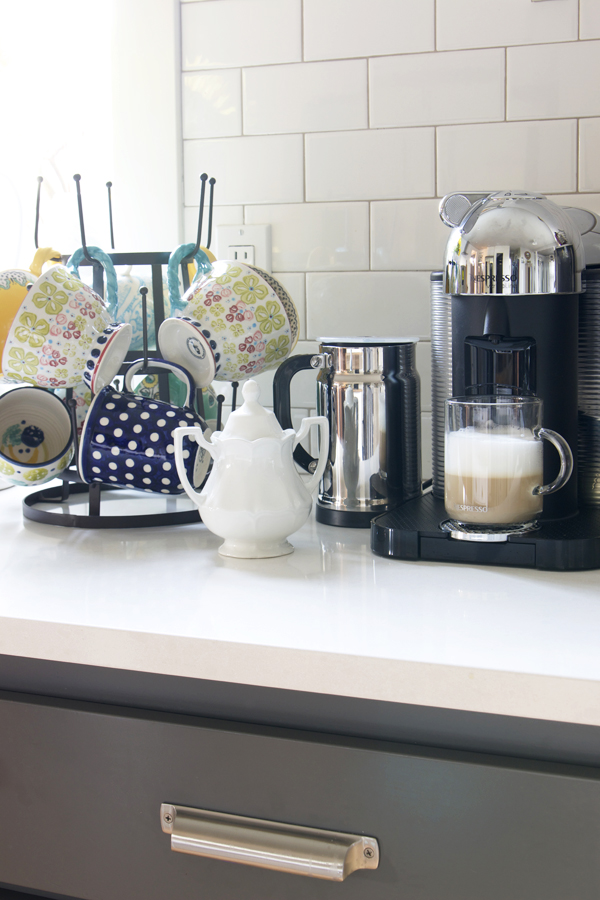 21 DIY Coffee Racks To Organize Your Morning Cup of Joe