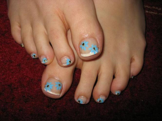 Abstract And Paint Inspired Toenail Art Playa Round With A Mulude Of Colors By Painting