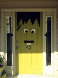 50 SPOOKtacular DIY Halloween Decorations For the House ...