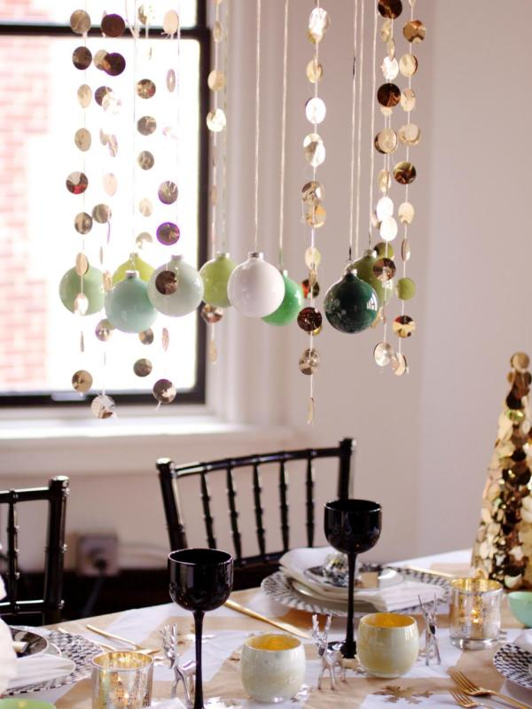 Decorate Tables With 50 Diy Christmas Centerpieces