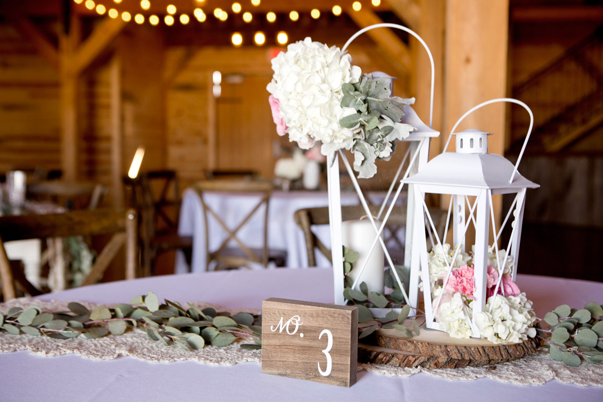 40 DIY Barn Wedding Ideas For A Country-Flavored Celebration