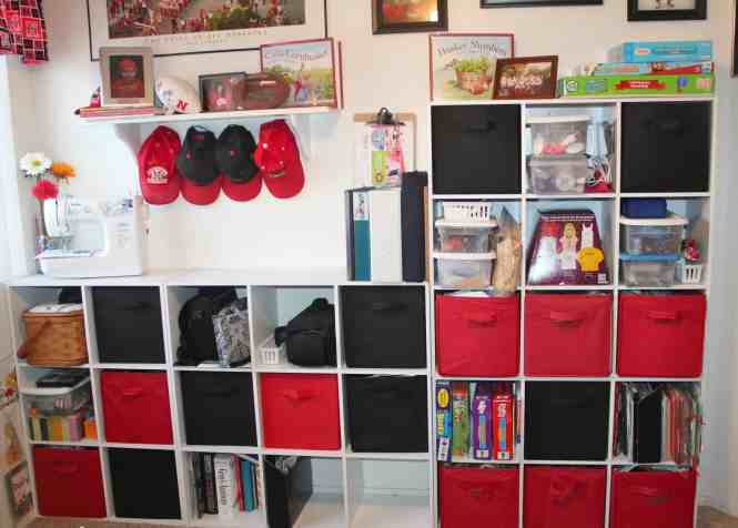 9 Cubby Shelving With Insert Drawers