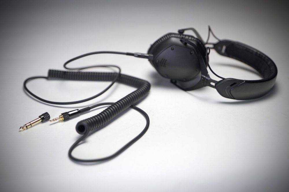medium resolution of if the string is not your thing grab the optional coiled cable
