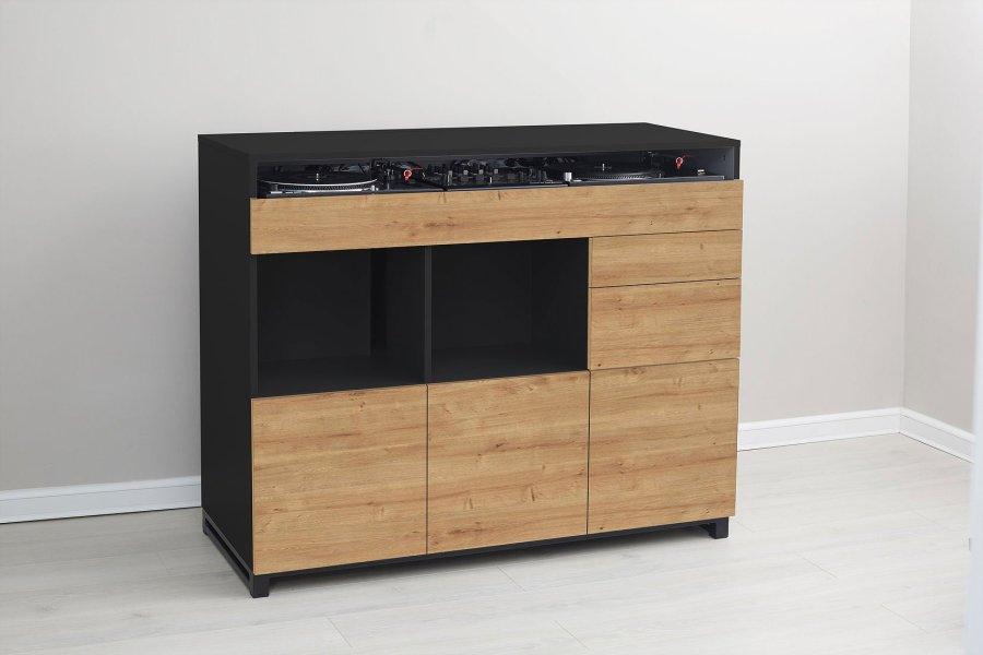 Roomy DJ custom boutique DJ furniture (4)