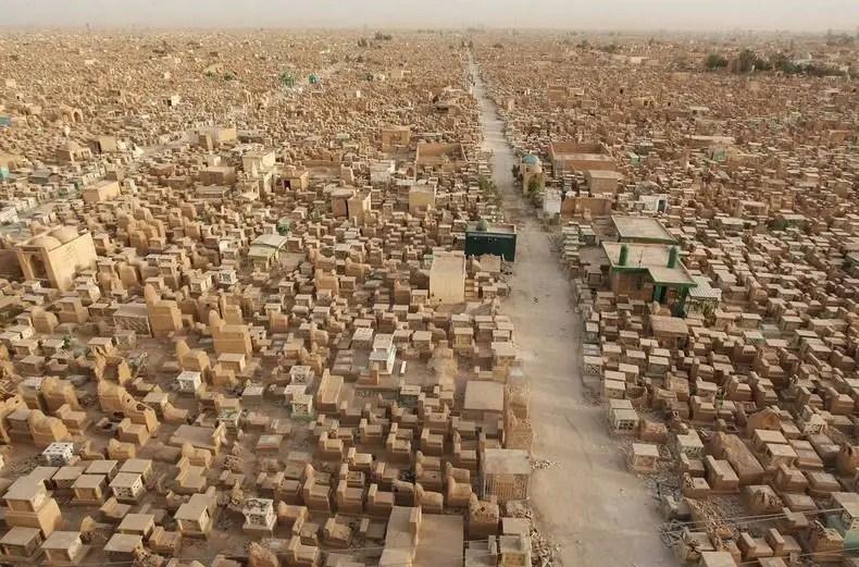 مقبرة وادي السلام في العراق