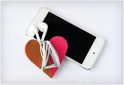 Heart-Headphone-Cord-Wrap