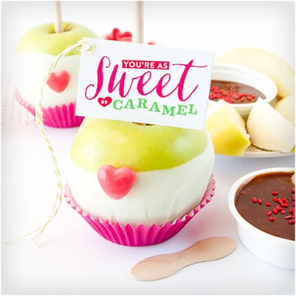 Valentine's-Day-Caramel-Apple-Kit