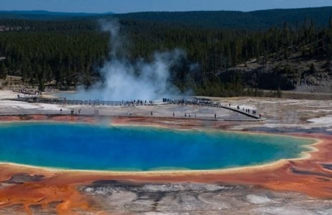 Grande primavera prismatica nel parco nazionale di Yellowstone