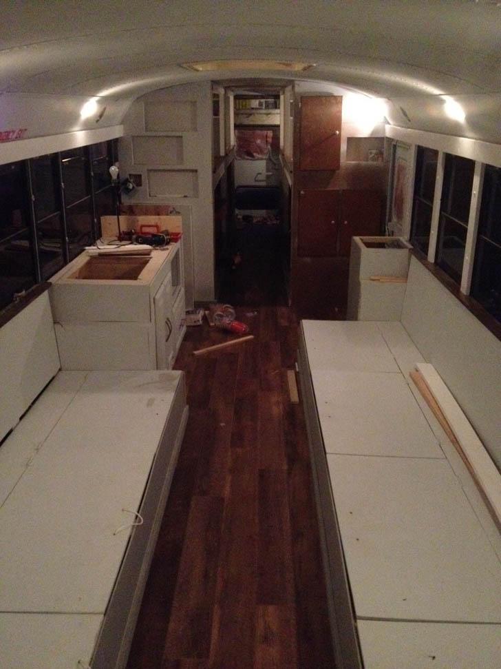 40Foot Carpenter School Bus Rebuilt By 8 College Students