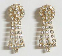 White Stone Setting Earrings