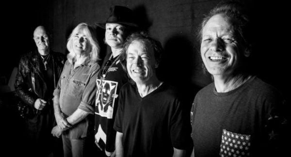 AC/DC, yeni albümü Axl Rose ile yapabilir