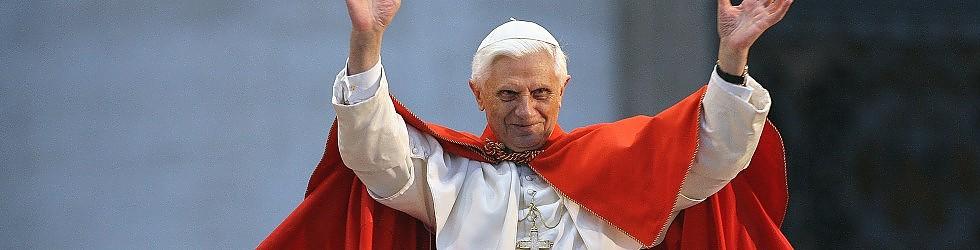 """Benedetto XVI lascia il pontificato il 28 febbraio  """"Non ho più le forze"""" /   Ascolta l'annuncio   /   English"""