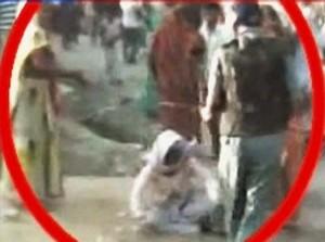 India, violentata e uccisa a sei anni. Rabbia in piazza, scontri con la polizia