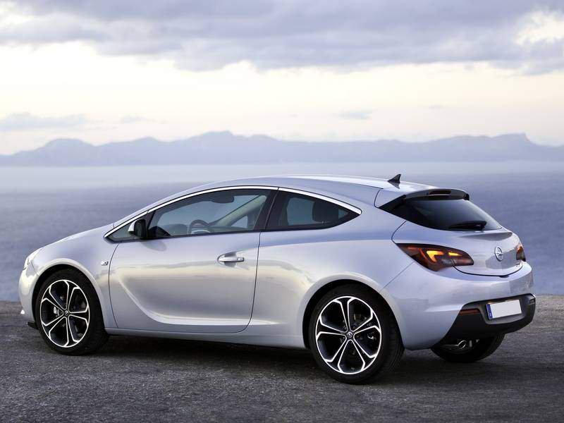 Configuratore nuova Opel GTC e listino prezzi 2018