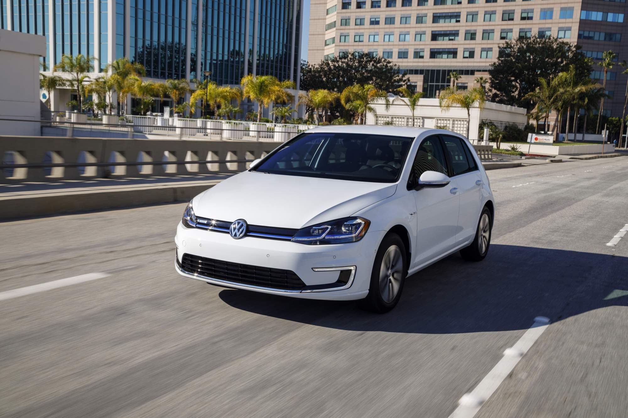 2017 VW e Golf offers longer range more equipment from $30 495