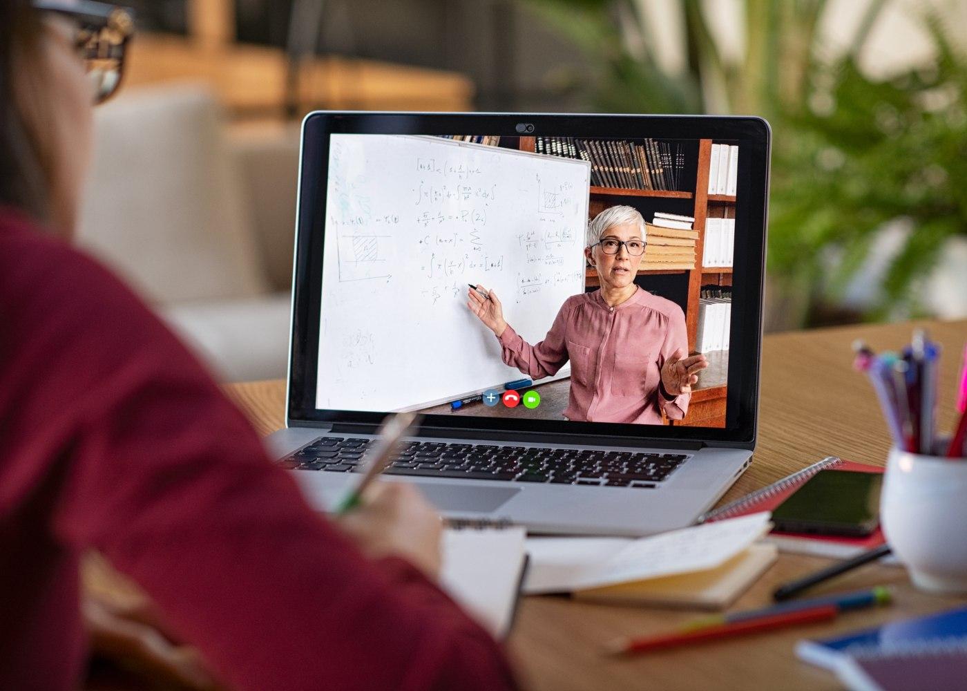 Google Classroom: uma solução para o ensino à distância