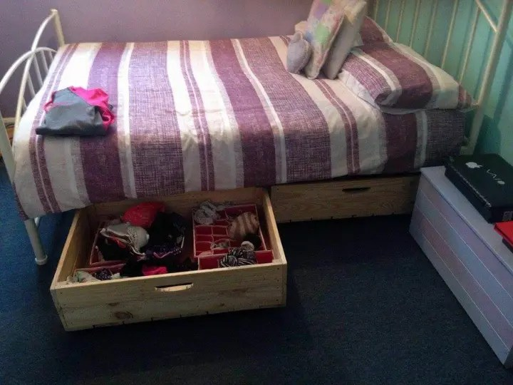 Diy Pallet Under Bed Drawers With Wheels Easy Pallet Ideas