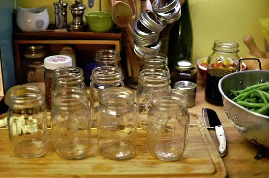 Remove the lids and rings from the jars