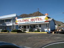Creepy Clown Motel - Ebaum' World