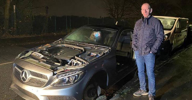 Car Thieves Disassemble Mercedes In The Middle of the ...