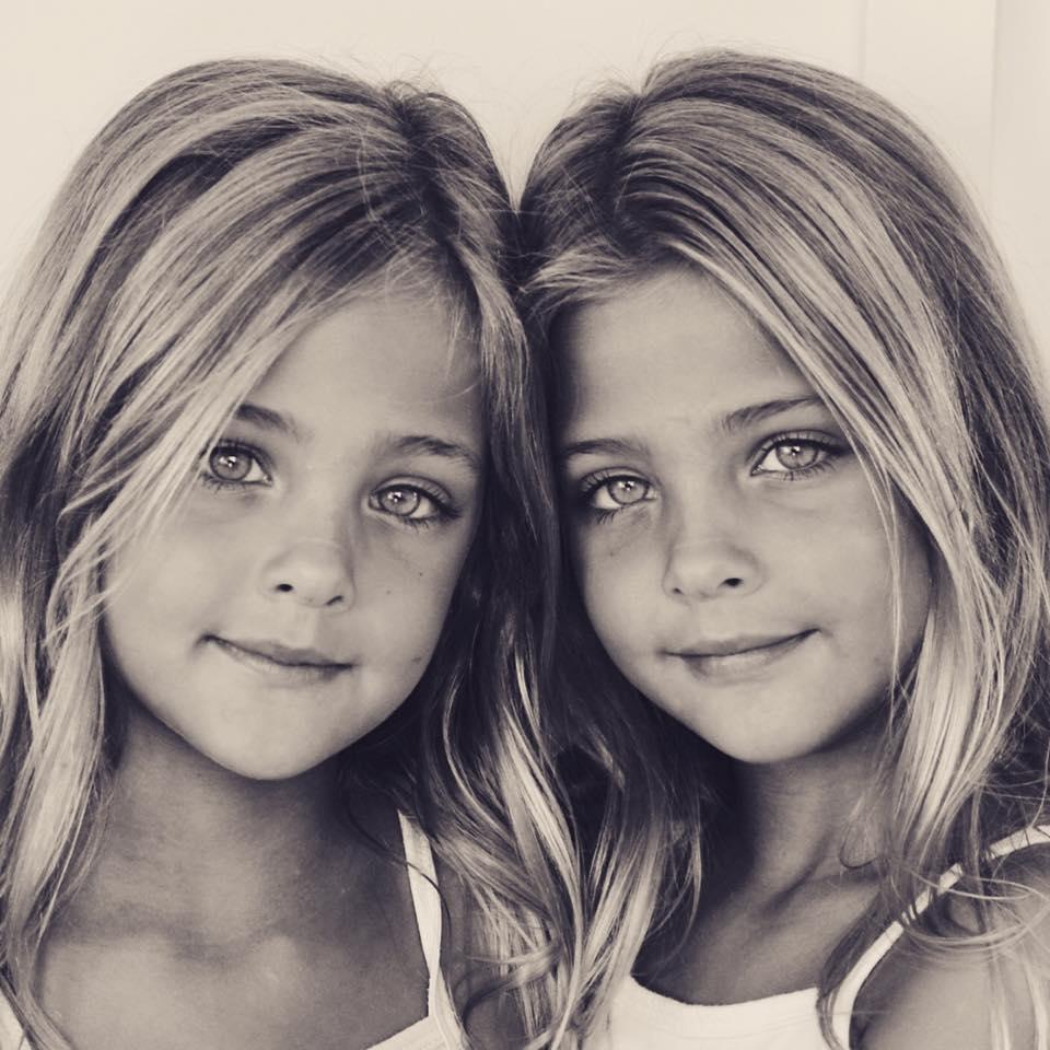 Les Jumelles S En Mêlent Streaming : jumelles, mêlent, streaming, Jumelles, Identiques, Nées, Maintenant