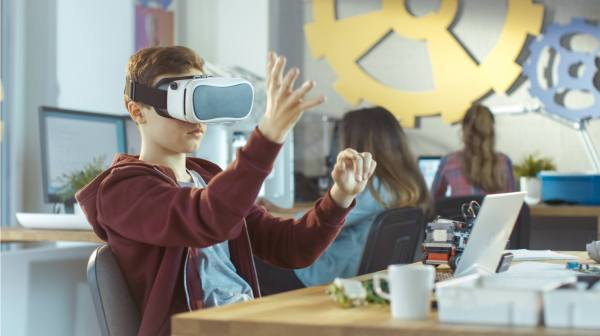 Effectively Augmented Reality And Virtual