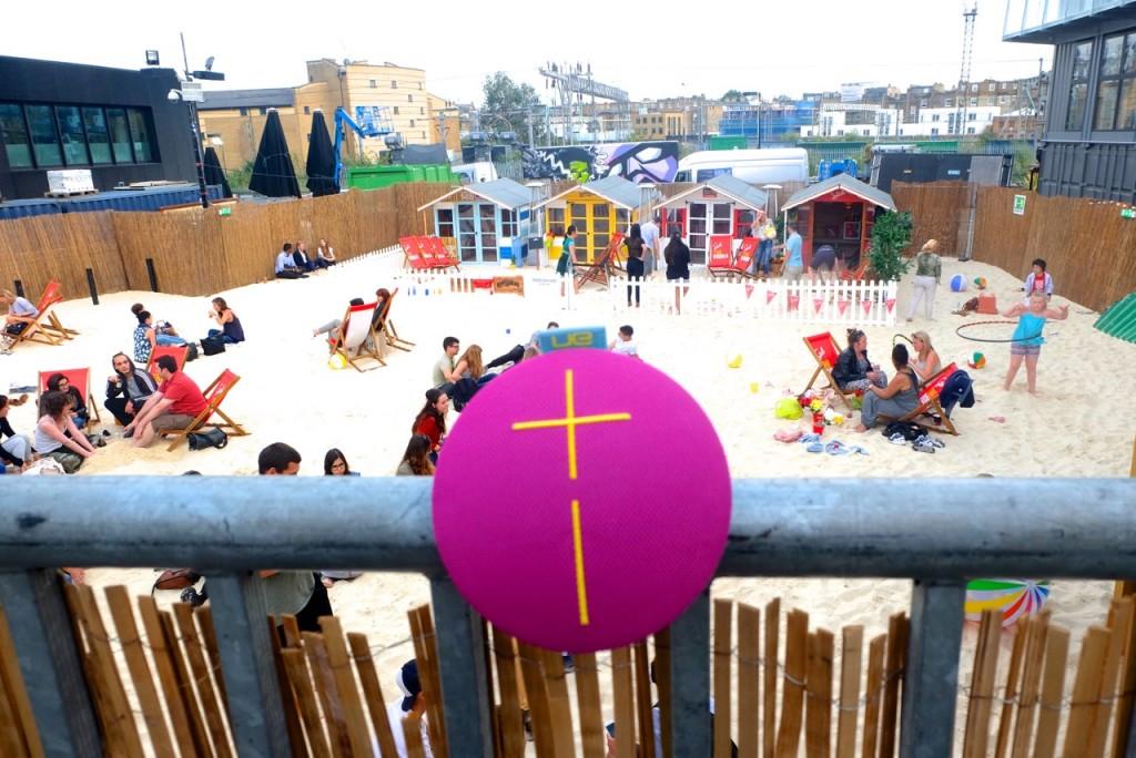 UE Roll Camden Beach Emma Inks