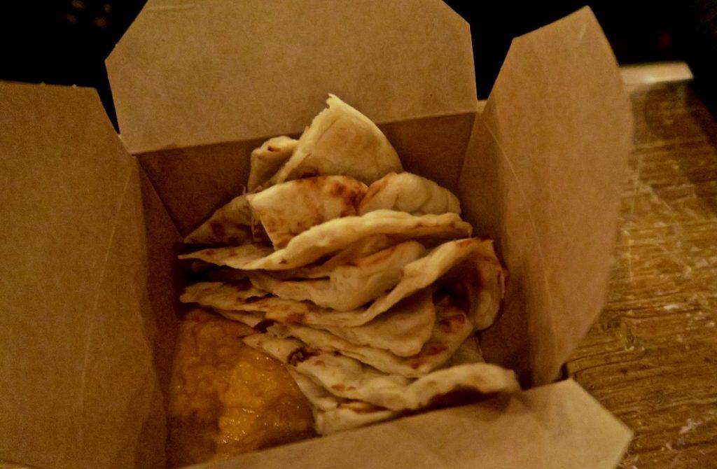 naan and hummus le bab