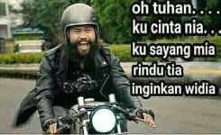 Ktawa.com Gambar lucu perang meme di Facebook Oh Tuhan… Ku cinta Nia… Ku sayang mia… rindu tia… inginkan widia…