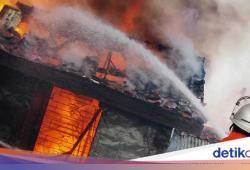 Rumah di Cengkareng Kebakaran, 12 Unit Damkar Dikerahkan