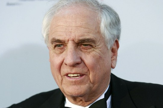 Gary Marshall arrives at the American Film Institute Life Achievement Award event honoring Al Pacino in Los Angeles on Thursday, June 7, 2007. (AP Photo/Matt Sayles)