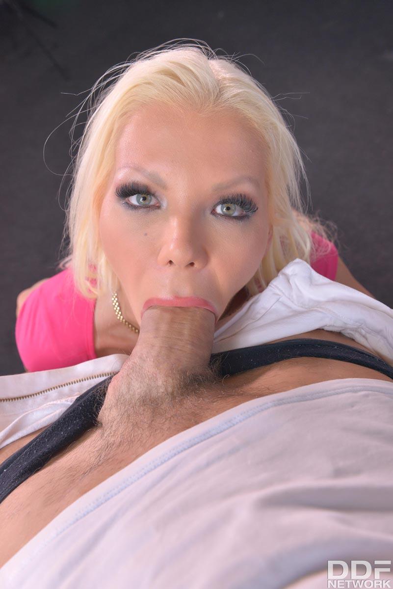 Barbie Sins Deep Throat Blonde