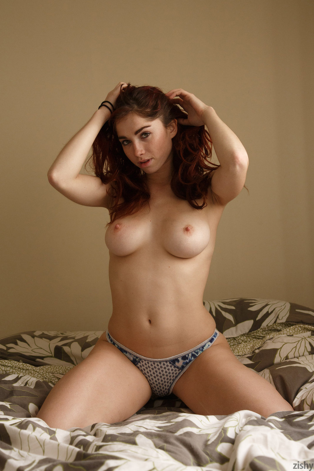 Jazz Reilly in Natural Yelps II by Zishy 12 photos