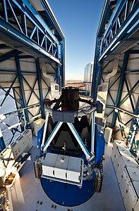 Telescopio de Rastreo del VLT: el telescopio más grande del mundo diseñado para rastrear el cielo en luz visible