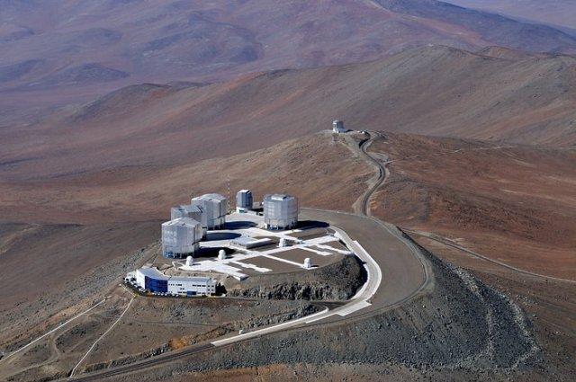 El Very Large Telescope visto a ojo de pájaro