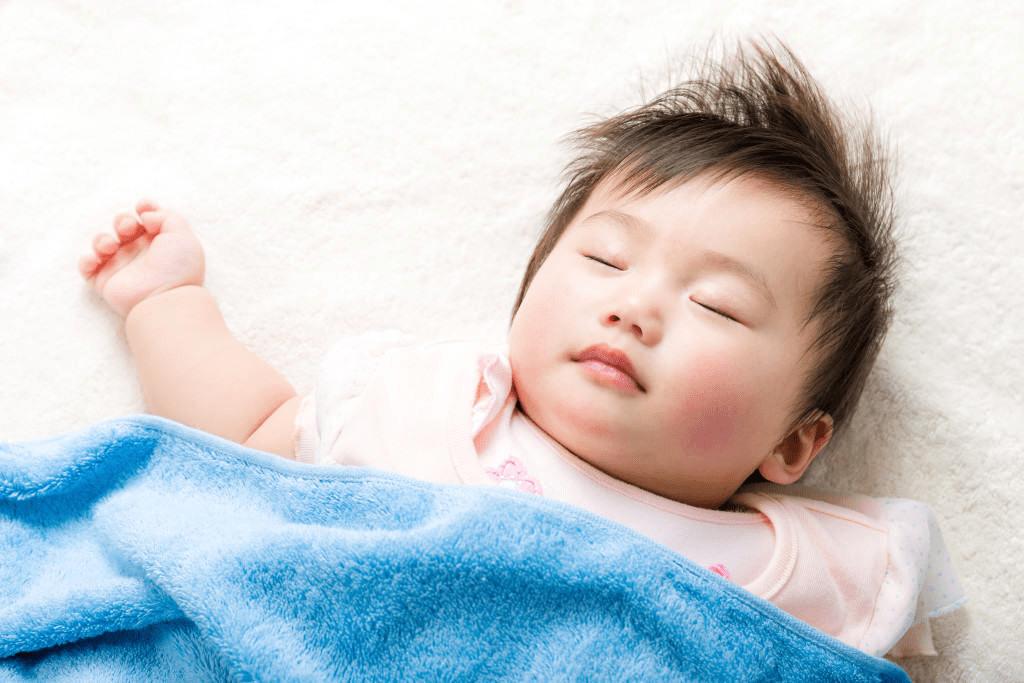 Trẻ sơ sinh tư thế ngủ kỳ lạ, 5 loại 5 tính cách, riêng loại thứ 3 cực thông minh - 3