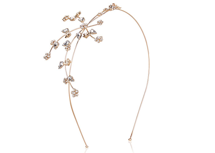 Check Out These Five Beautiful Bridal Hair Accessories