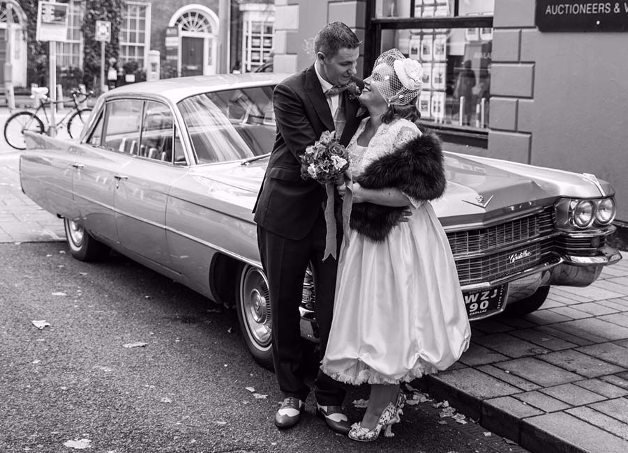 Real Weddings: Suzanne And David's Vintage-Themed Day In