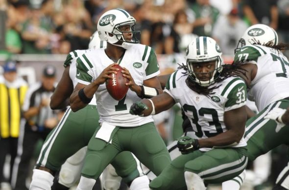 Nov 1, 2015; Oakland, CA, USA; New York Jets quarterback Geno Smith (7) looks to throw a pass against the Oakland Raiders in the third quarter at O.co Coliseum. The Raiders defeated the Jets 34-20. Mandatory Credit: Cary Edmondson-USA TODAY Sports